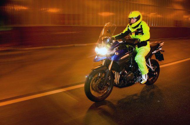 10 tips para conducir motocicletas con seguridad
