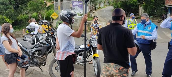 Secretaría de movilidad sensibiliza a motociclistas sobre el adecuado uso del casco
