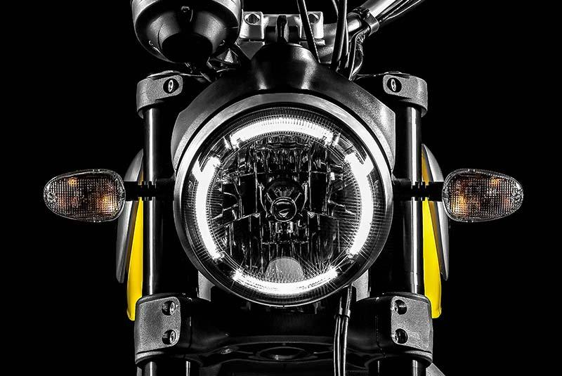 Tipos de iluminación en motos